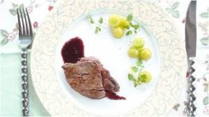 初秋の薬膳レシピ③『牛肉のソテー 葡萄ソース』| キレイで簡単★フレンチ薬膳で食べて健康ダイエット