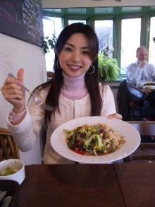 室谷真由美のビューティーフード・レポ vol.9 『GOOD HONEST GRUB』 | マクロビ・ベジレストランで外食ダイエット