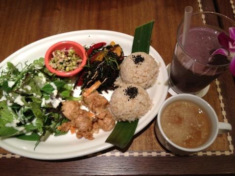 室谷真由美のビューティーフード・レポ vol.3 『Kailua Weekend』 | マクロビ・ベジレストランで外食ダイエット