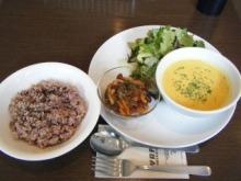 室谷真由美のビューティーフード・レポ vol.7 『YAFFA ORGANIC CAFE』 | マクロビ・ベジレストランで外食ダイエット