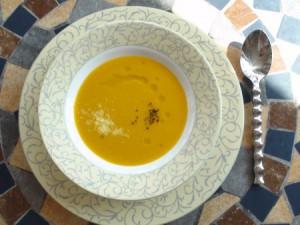 スパイスを効かせたほっと温まりたい時の薬膳レシピ『かぼちゃと人参のポタージュ』 | キレイで簡単★フレンチ薬膳ダイエット