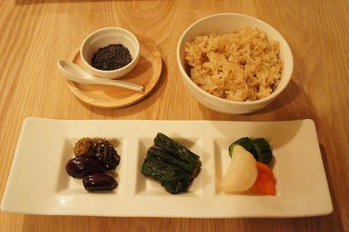 室谷真由美のビューティーフード・レポ 『たまな食堂』 | 表参道のマクロビ・ベジレストランで外食ダイエット