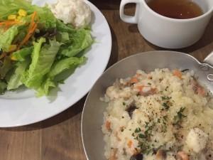 リゾットカフェ東京基地ルミネエスト新宿店